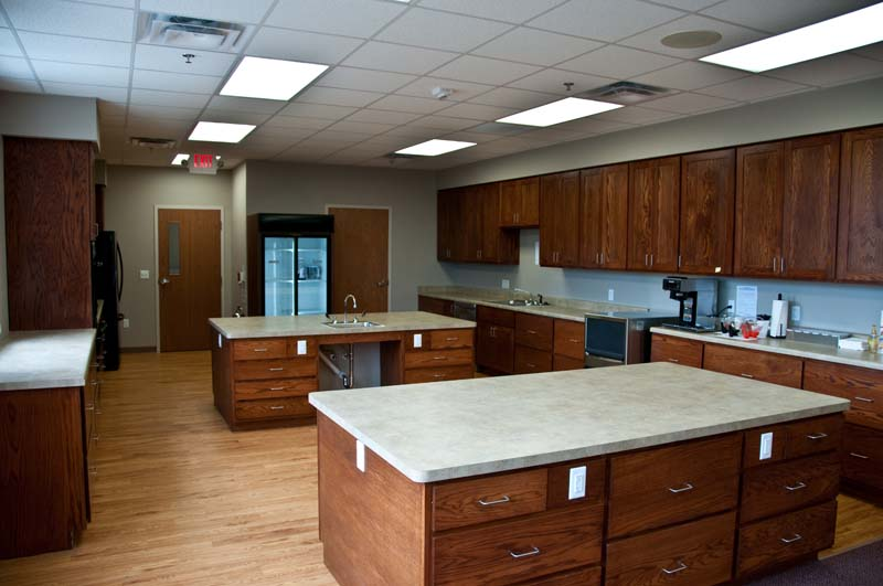 Done By Tci Cabinetry Commercial Kitchen Cabinets Wood Red Oak